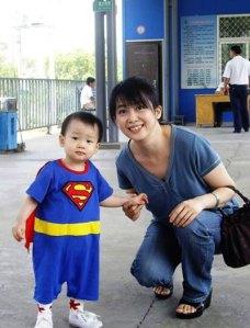 Manh Dinh Vi va con trai