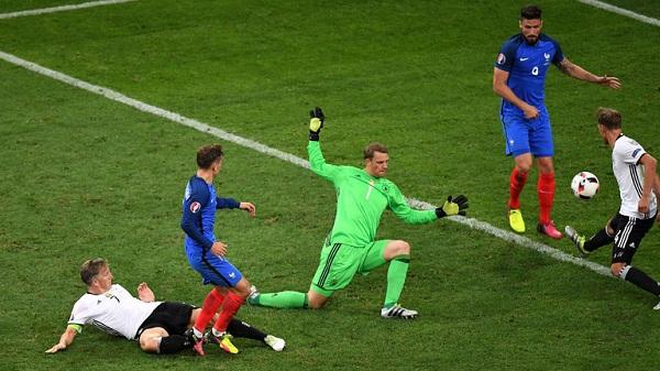 Griezmann tung cú sút hạ thủ thành Newer giúp Pháp thắng Đức 2-0